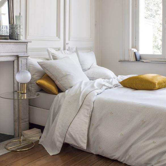 morpheeliterie-nina-ricci-parure-de-lit-haut-de-gamme-les-muses-satin-de-coton-imprime-opale-ambiance